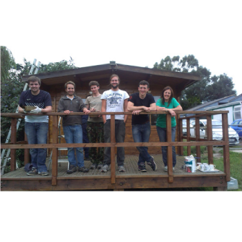 Down at the farm: team volunteering @ Future Roots